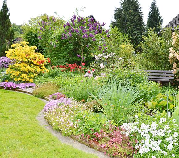 日本庭園から、 洋風庭園まで、 幅広く承っております。